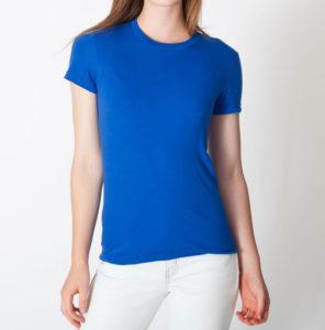 Синяя женская футболка