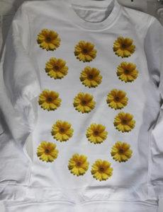 Белый женский свитшот с печатью